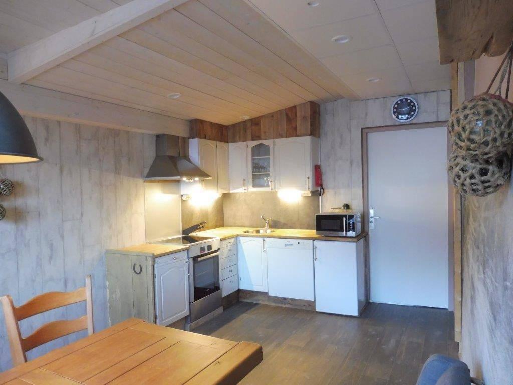 Sittingroom & Kitchen